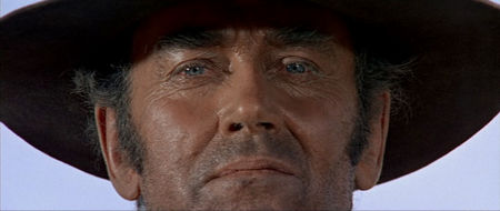 OnceUponATimeInTheWest-Review-Close-05.jpg