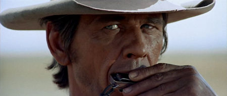 OnceUponATimeInTheWest-Review-Close-01.jpg